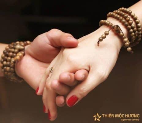 Quà tặng yêu xa cho couple