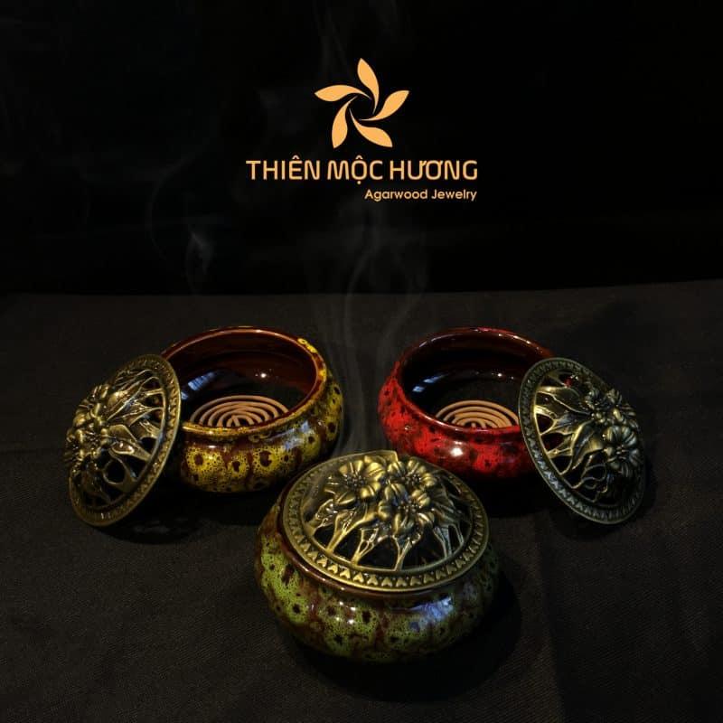 Lư sứ và nhang khoanh trầm hươngThiên Mộc Hương
