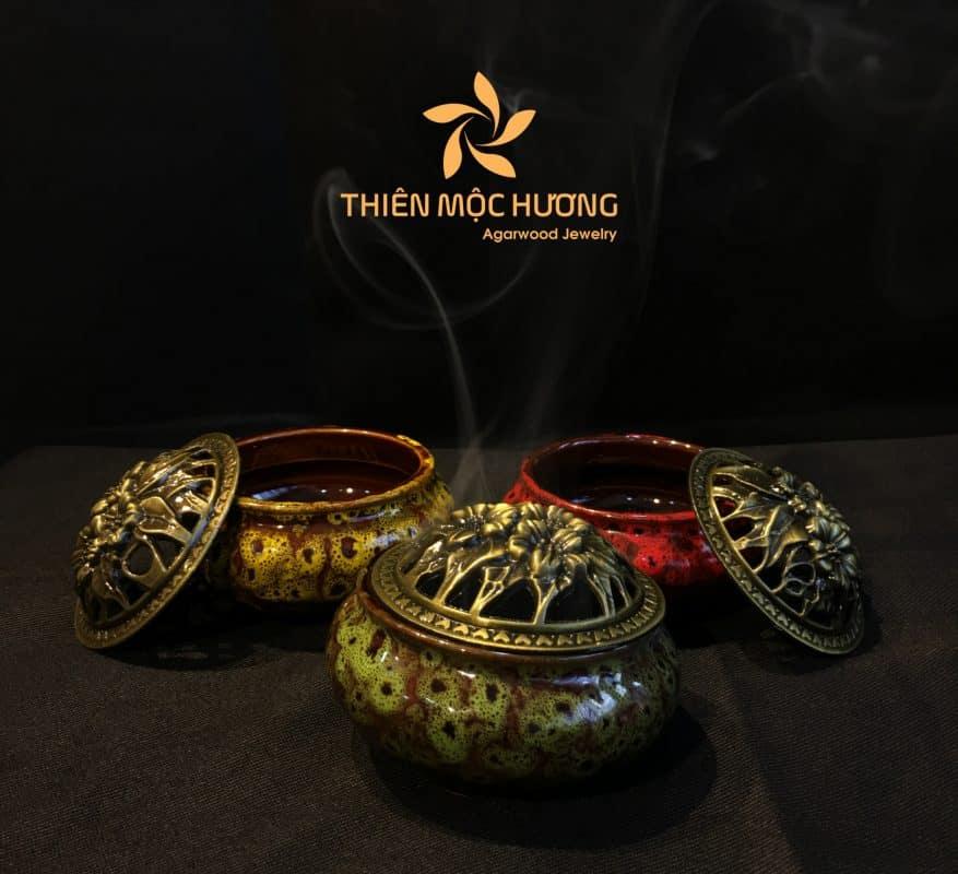 Lư sứ và nhang khoanh trầm hương Thiên Mộc Hương