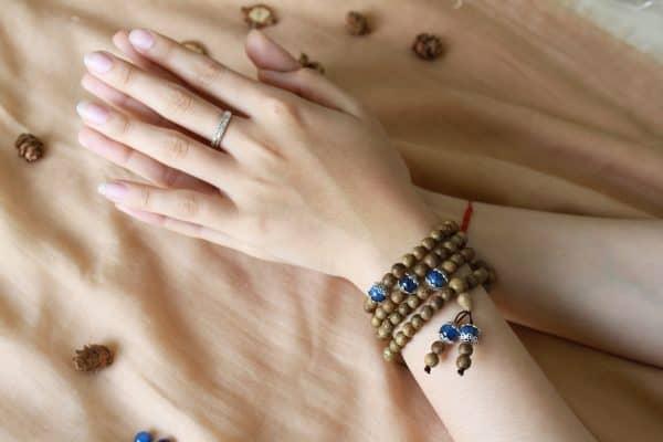 Tại sao nên chọn vòng tay Trầm Hương làm quà tặng?