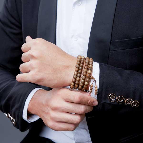 Cách trì chú vào chuỗi đeo tay như thế nào?