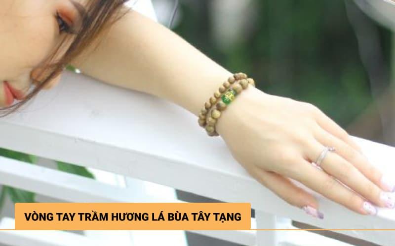 Vòng tay Trầm Hương Bùa Tây Tạng