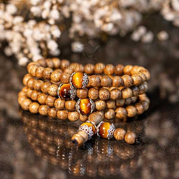 Chuỗi Trầm Hương là Chuỗi hạt đeo tay phong thủy được ưa chuộng nhất
