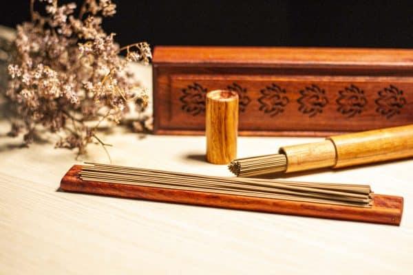 Đốt nhang Trầm là một phong tục tâm linh truyền thống