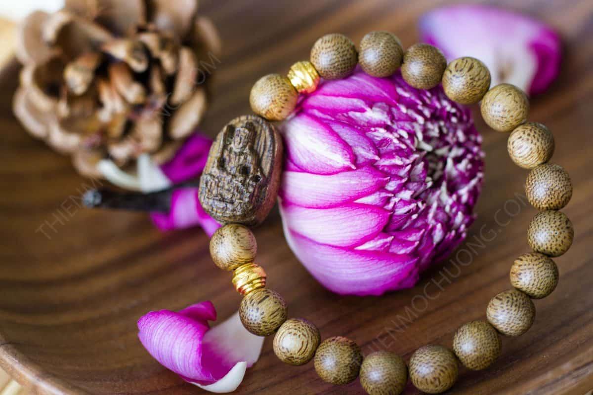 Charm Trầm Hương Phật Bản Mệnh