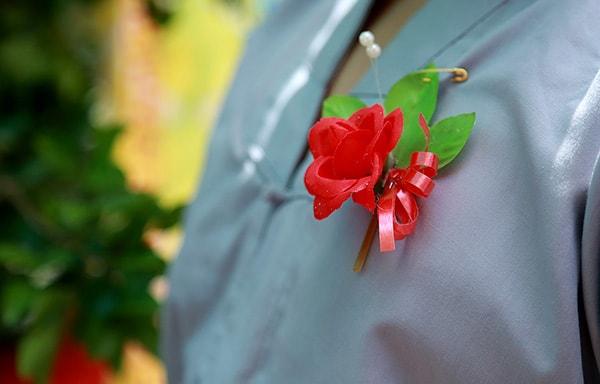 Ngày vu lân báo hiếu thường cài hoa