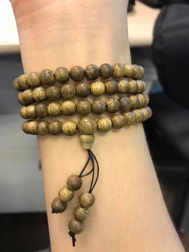 Vòng Đôi gỗ Trầm Hương Hoa Sen Vàng photo review