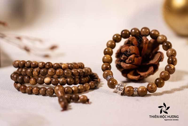 vòng tay trầm hương 108 Hạt và Phật Di Lặc