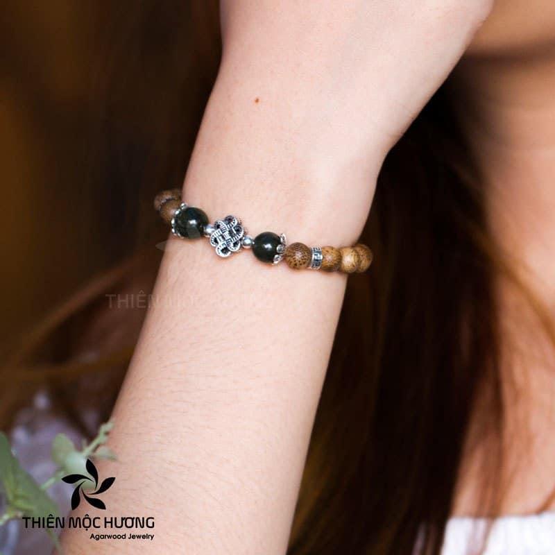 Vòng tay trầm Hương Đồng Tâm Song Hỷ Lưu ý -  bảo quản vòng trầm hương đeo vòng phong thuỷ tay nào