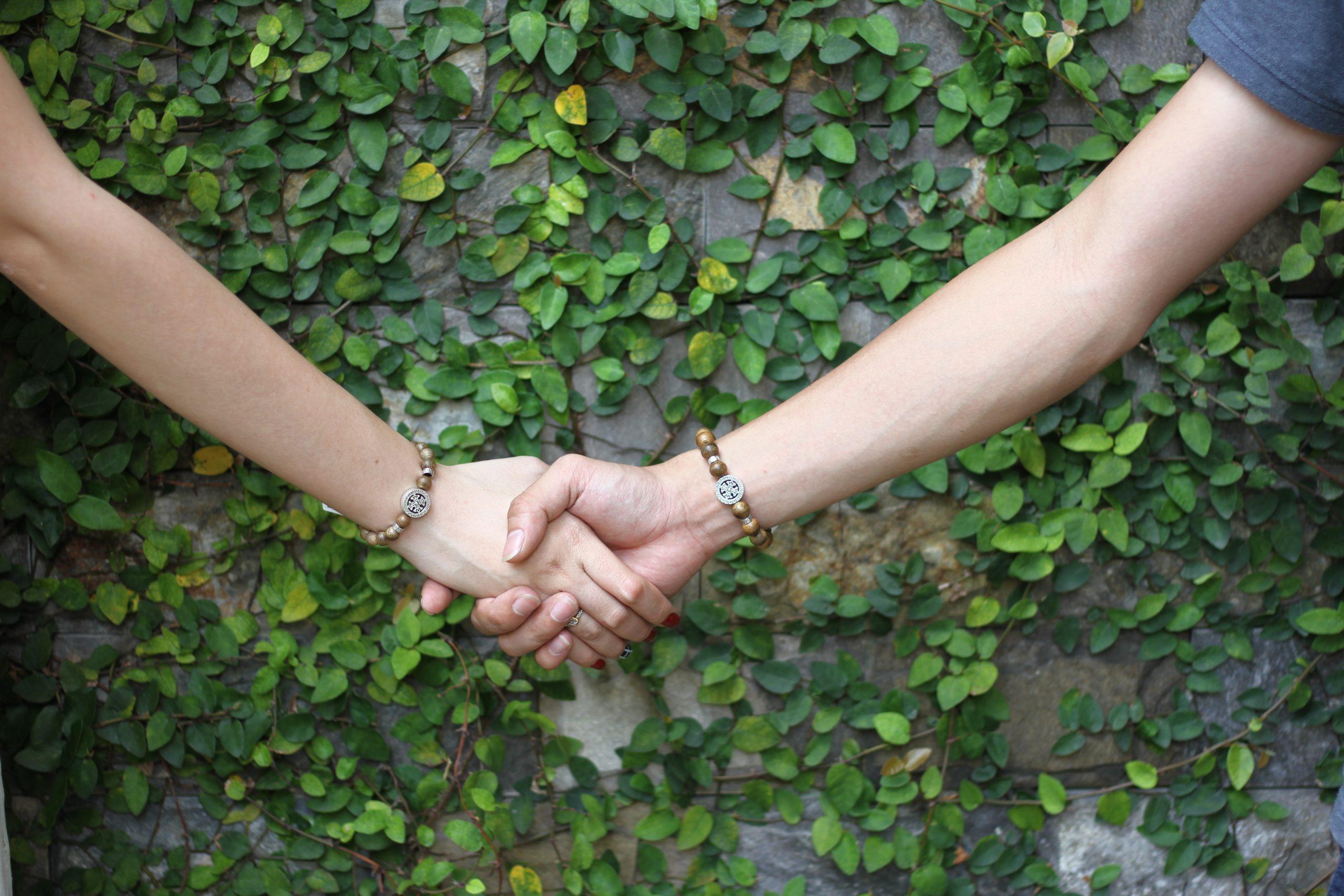 Vòng tay Trầm Hương cặp đôi - Cỏ 4 lá