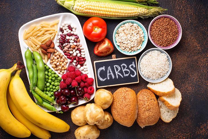 Khi xây dựng thực đơn giảm cân nữ, đường,tinh bột xấu là thực phẩm cần tránh để giảm cân.