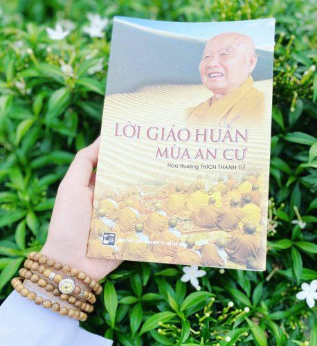 Vòng tay Trầm Hương 108 Minh Nguyệt - Mệnh Thổ photo review