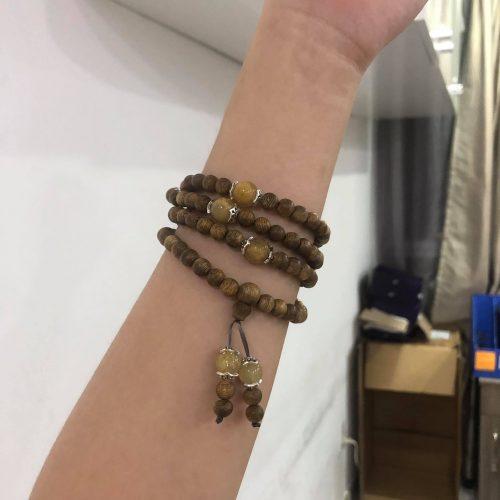 Vòng tay Trầm Hương 108 Hạt Ngọc Bảo - Mệnh Kim photo review