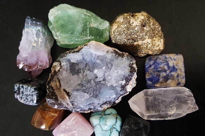 Cách nhận biết đá thạch anh qua 6 mẹo đơn giản