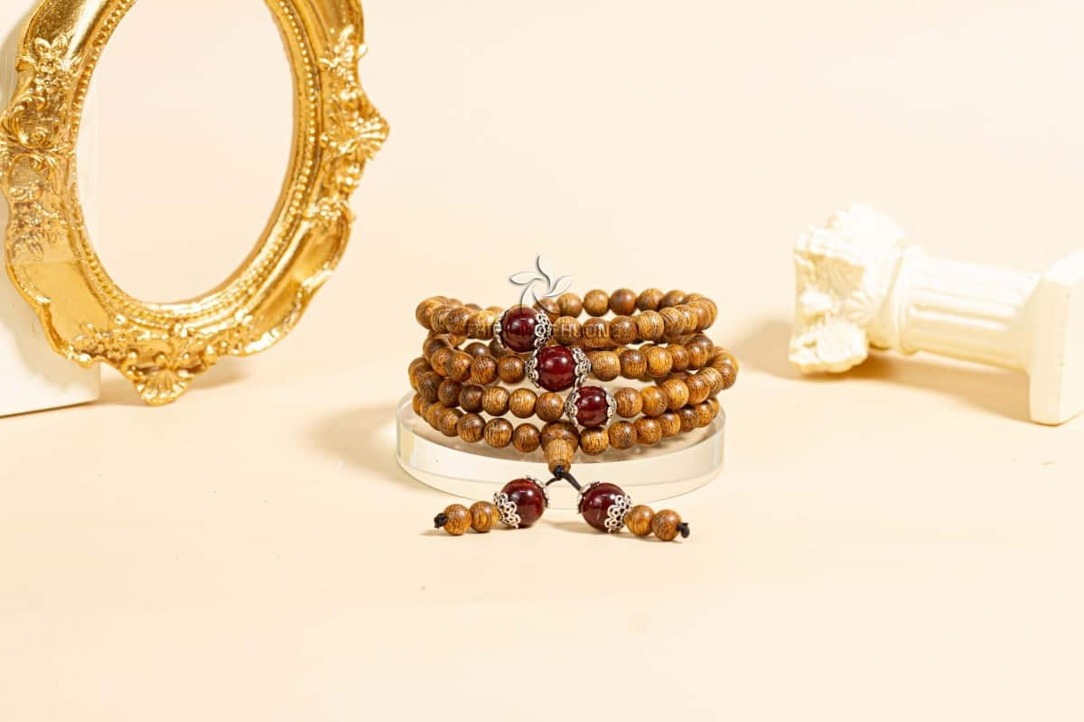 Vòng tay trầm hương 108 Hạt Ngọc Bảo