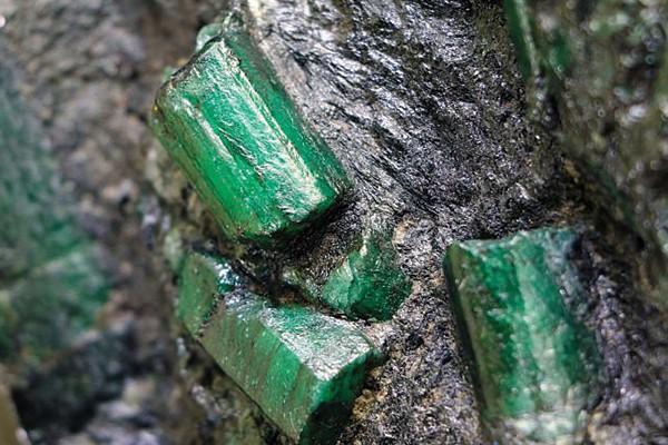 Đá ngọc lục bảo - đá quý emerald là gì?