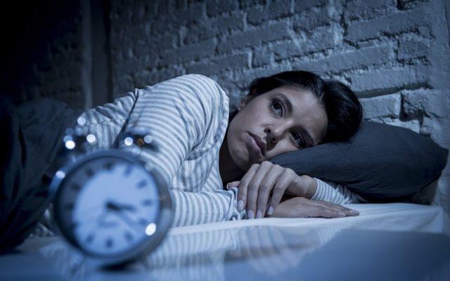 Có vô vàn lí do khiến bạn ngủ không đủ giấc. Cần tìm hiểu kĩ và đưa ra phương án khác phục