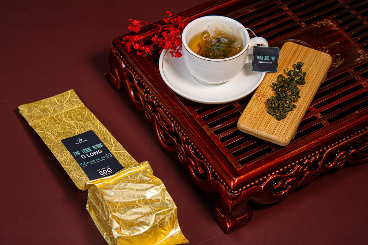 Agarwood Tea has a sweet taste with a passionate and attractive scent. agarwood Tea is an extremely benign, refreshing tea, suitable for all ages.