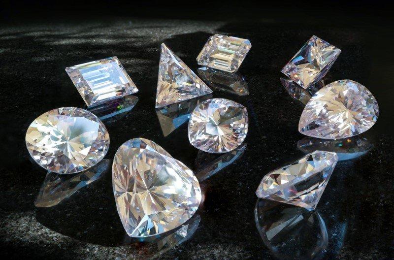 Các loại đá quý màu trắng
